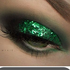 Makeup Forever Loose Glitter Shadow face glitter